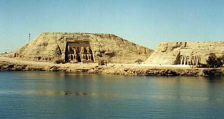 absim1Kuil Abu Simbel